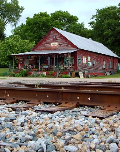 Antiques Store - Columbia Tennessee - Spring Hill Tn - Carter's CreekStation Antiques
