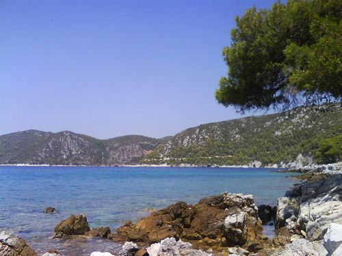 Close to Agnontas beach. Cood place for swimming and camp?