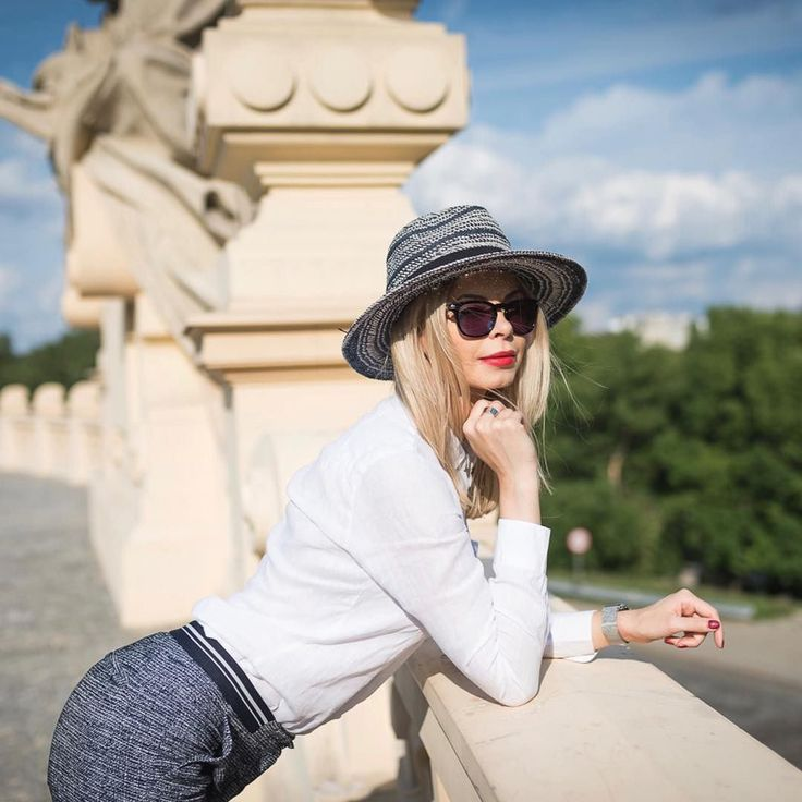 #olfaktoriaootd #dailyootd #blondegirl #polishgirl #selfie #ootd #classy #olfaktoriaootd #semilac #semigirls  @semilac nr 027 - Intense Red: bit.ly/2Ah1UpJ  Cat Eye nr 611: bit.ly/2Ah3l1V  Mam na sobie:  Kapelusz Dieter Loevenich podobne: http://bit.ly/2iltZVJ http://bit.ly/2v8bQfN http://bit.ly/2wifqYB http://bit.ly/2fZZcNj  Okulary Guess podobne: podobne: https://goo.gl/lHXgcy https://goo.gl/9Y13o7 https://goo.gl/AJ5WQ1 https://goo.gl/ANiDXC  Koszula Lambert podobne:  https://goo.gl/LiYo51…