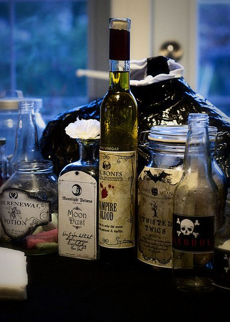 DIY Halloween Craft – The Coolest & Creepiest Potion Labels – FREE