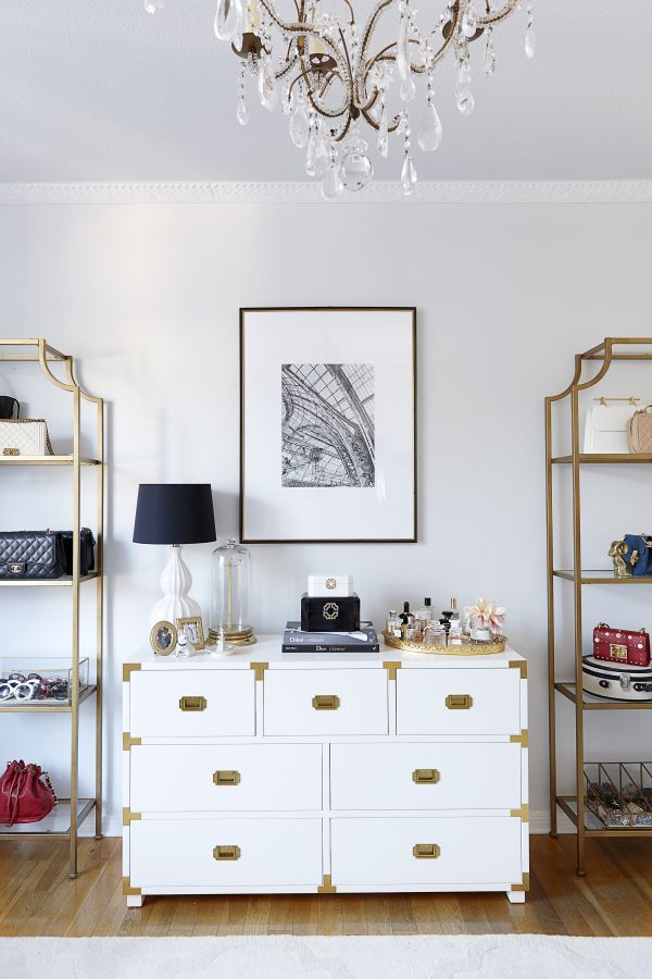 A glam closet you dream of having: http://www.stylemepretty.com/living/2016/11/28/this-is-what-closet-dreams-are-made-of/ Photography: Jessica Alexander - http://jessicaalexanderphotography.com/