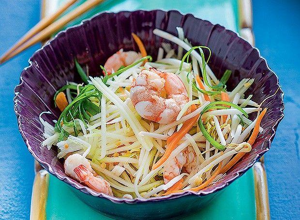 Salada de papaia verde com camarão                                                                                                                                                      Mais
