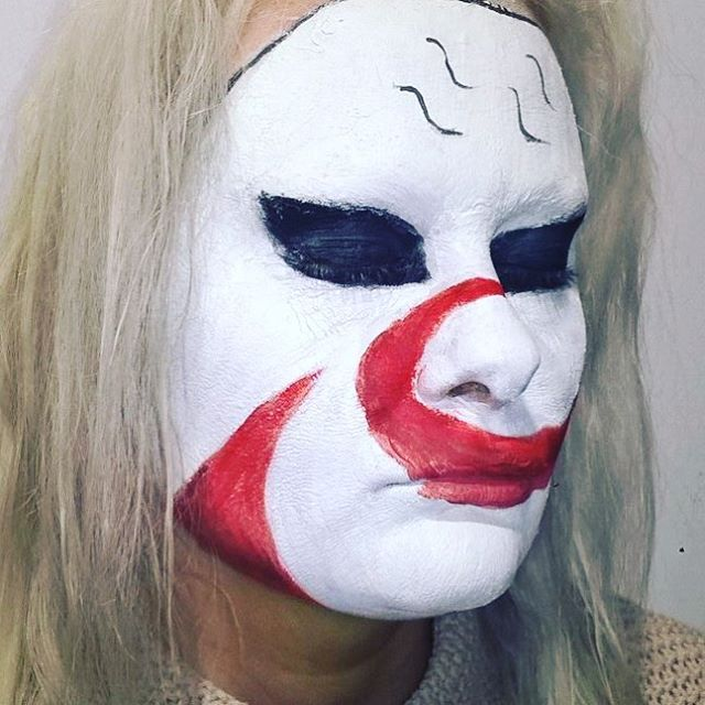 Makeup challenge. Day 62 - Haku Mask from Naruto. For more facepaint, sfx, makeup, costume and cosplay picture follow @mycharacterdesign on instagram. Makeup: Kristin Sunde. Model: Kristin Sunde.
