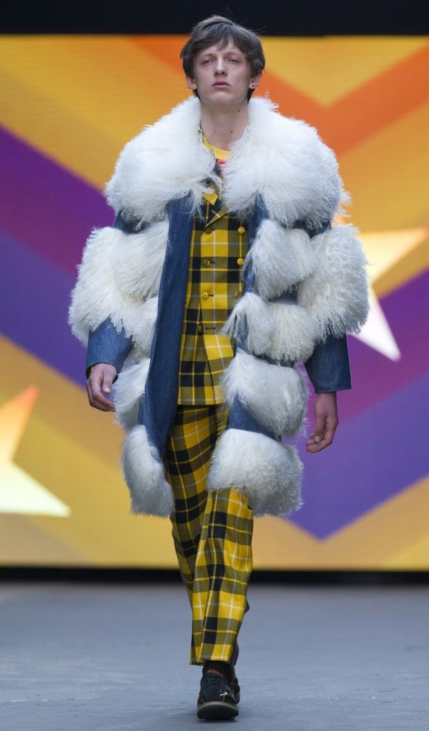 Tartan jealousy right here with this mustard, Scottish inspired suit from Topman! The Guardian