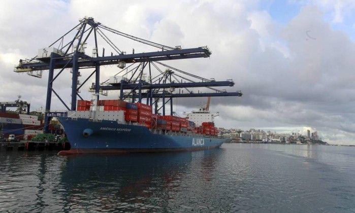 Com estradas precárias, transporte marítimo cresce 10% no ano - Jornal O Globo
