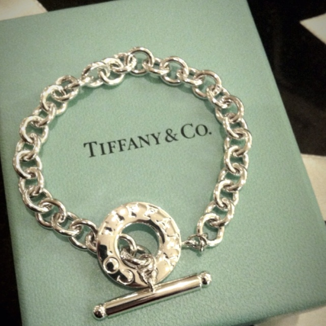 Tiffany charm bracelet 💙 LOVE IT