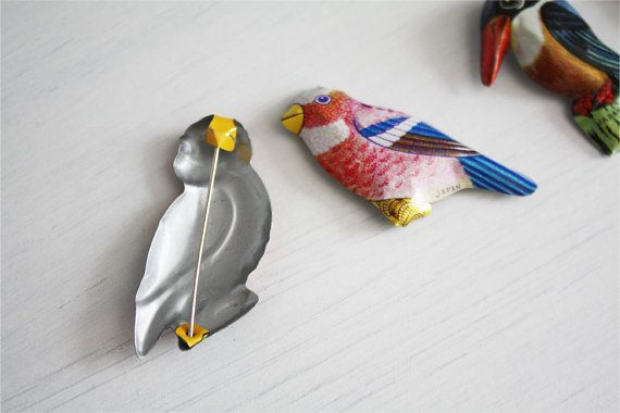 Japanese vintage bird tin pins <3 | That's mine! Vintage on Etsy #vintage #pin #japanese #cute