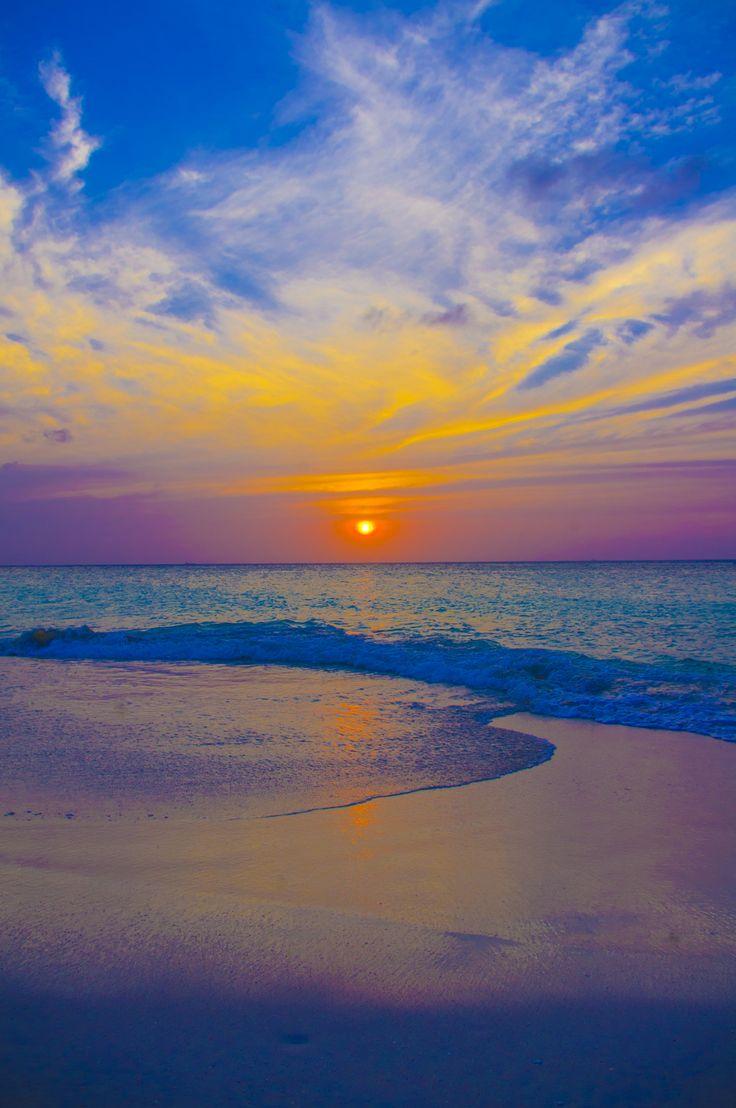Ondergaande zon, maart 2013 Aruba. no 2