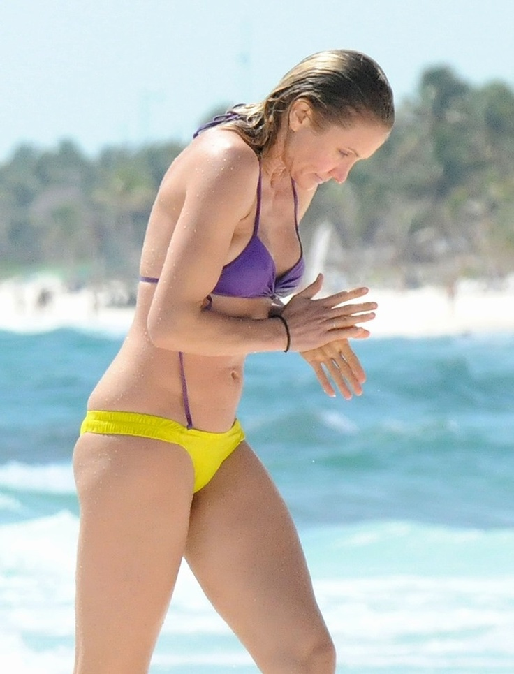 Drew Barrymore Hot Bikini