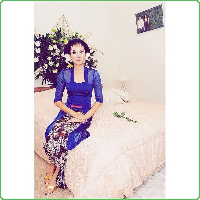 Kutu baru kebaya with modern fabric