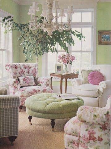 Il salotto è la prima stanza vista da chi arriva in una casa e arredarla in stile Shabby Chic significa dare spazio anche ai colori pastello, fondamentali per chi ama stupire i propri ospiti <3