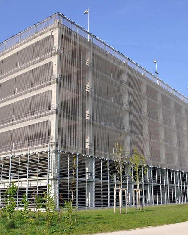 Homogeneous facade cladding with haver architectural mesh dogla trio wire mesh is an excellent - Modern architectural trio ...