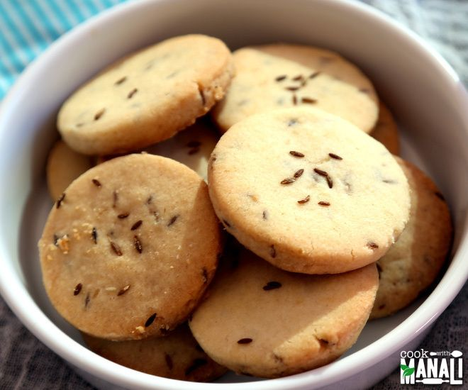 Sweet and salty cumin cookies, perfect with tea!