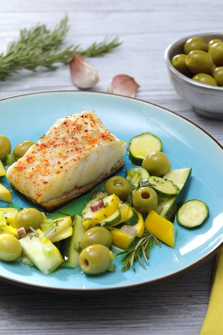 Numéro 53 : Pavé de cabillaud en croûte de pain courgettes marinées au romarin et olives vertes ©Ph. Asset