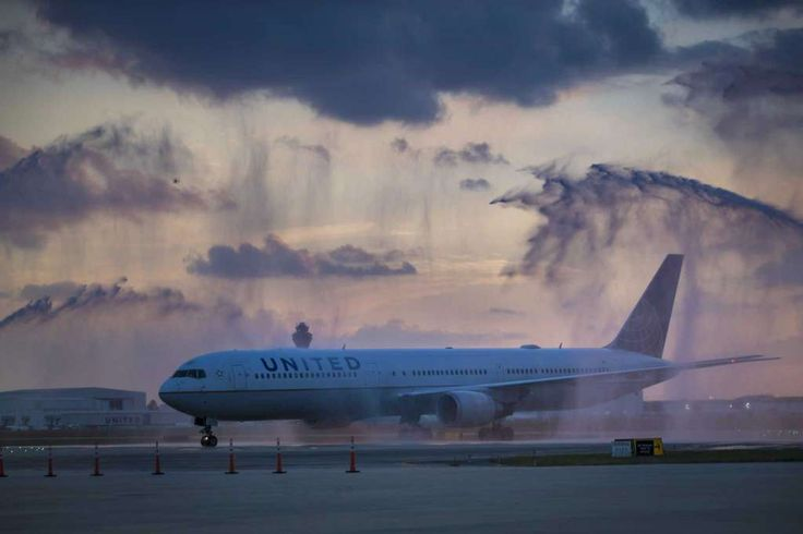 Houston Astros flight is received with water canons at the George Bush Intercontinental Airport, Thursday, Nov. 2, 2017, in Houston, a day after the Houston Astros won the World Series against the Dodgers. Photo: Marie D. De Jesus, Houston Chronicle / © 2017 Houston Chronicle