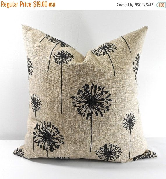 Throw Pillows Beige Couch : 1000+ ideas about Beige Pillows on Pinterest Throw pillows couch, Neutral pillows and Accent ...