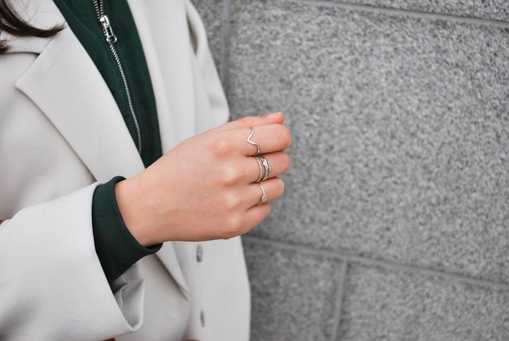 Mini Mountain – minimalist silver ring.