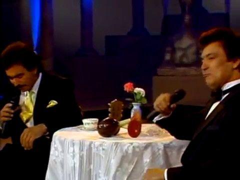 Maracas - Joan Sebastian y Alberto Vazquez - YouTube