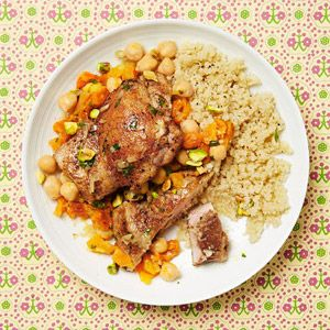 Moroccan Chicken Thighs. I would substitute the cous cous with a different grain.Moroccan Fitnessmagazine, Chicken Recipe, Moroccan Chicken, Chicken Moroccan, Chicken Thighs, Fitnessmagazine Lights, Healthy Dinner, Healthy Food, Lights Chicken