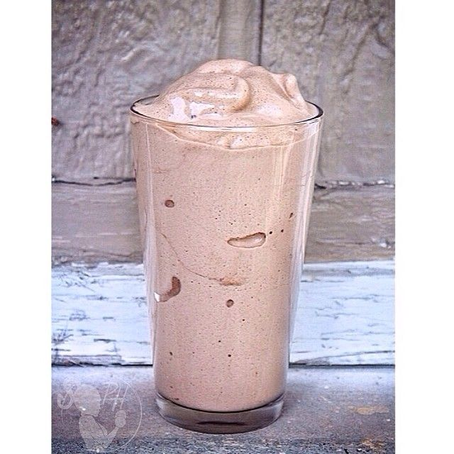 Frosty Protein Shake #WendysWho? 1 scoop #Shredz Protein 1/2 cup Greek Yogurt. (I used lactose free organic yogurt) 1-2 TB unsweetened carob powder And a sweetener of your choice (I used 1/4 of a frozen banana for mine) Other ideas: stevia packet, a few dates, xylitol, or agave)