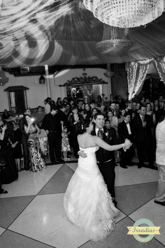 Fiesta de boda de Jaime y Mariana con Irradias Fotografia