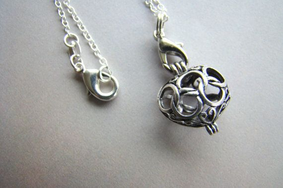 This dainty filigree antique silver scent diffuser necklace is an ingenious way to wear your essential oil throughout the day. Essential oils have been used for thousands of years for their health and emotionally uplifting properties. Essential oils can be your key to a more fulfilling and balanced emotional life. Now you can enjoy the benefits of your essential oils wearing this dainty filigree necklace which measures 5/8 x 5/8. The diffuser opens up to hold a pom pom, on which you will…