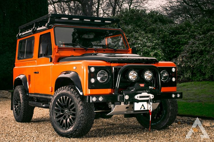 Land Rover Defender 90 and 110 for sale and build to order to USA, Canada.