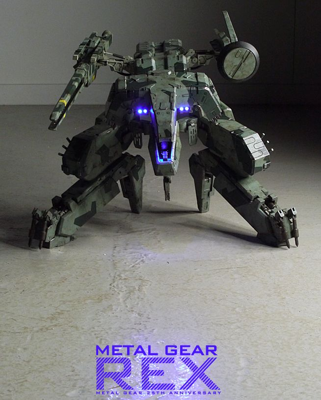 Metal Gear Solid figure of Metal Gear REX! This is awesome! <3 :D