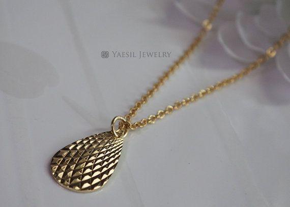 Gold Tear Drop Necklace Minimalist Necklace by YaesilJewelry