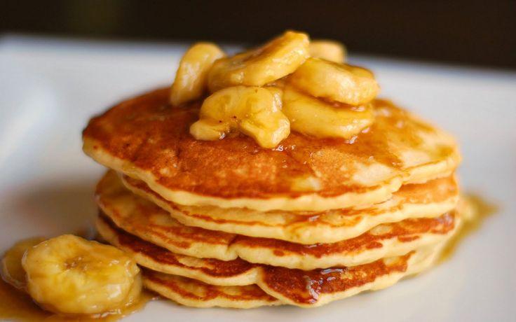 <h5>gezonde pannenkoeken recept met banaan voor 4 tot 6 stuks.</h5> <h3>Bereidingswijze</h3> Kluts de beide eieren en prak de banaan tot moes. Meng de eieren nu met de bananenmoes....