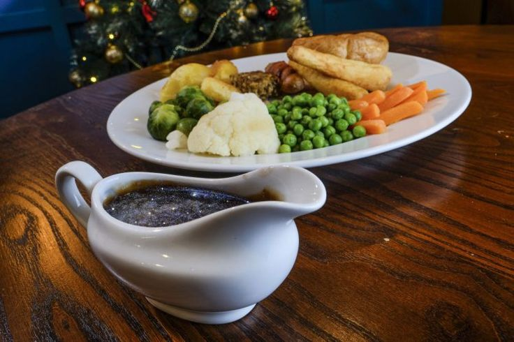 London pub launches glittery gravy for anyone whose dinner needs some sparkle