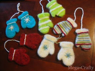Such cute ornaments, needle-felted inside a cookie cutter! Tutorial & design from Mega•Crafty