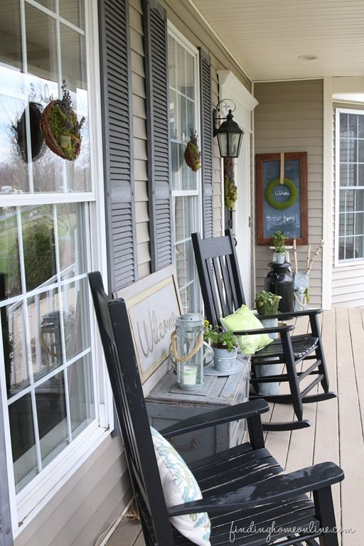 Summer front porch decorating and two summer wreath tutorials. #DamageFreeDIY #ad - for side of my porch