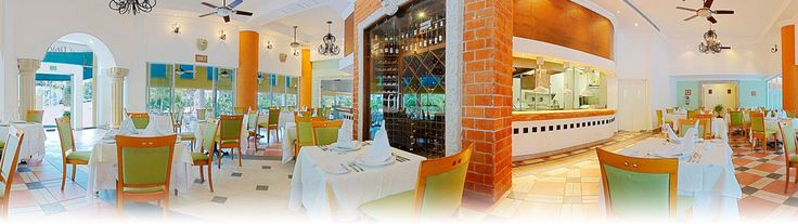 Gran Porto Real is in the heart of Playa del Carmen, mere steps from Fifth Avenue's shops