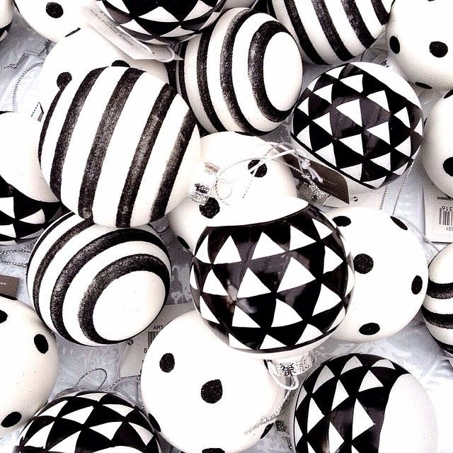 Black & white christmas balls with print ❥