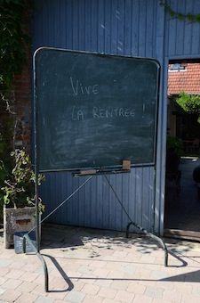 Tableau d'école Brocante de charme, industrielle et vintage : www.brocantedelabruyere.com