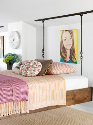 use rope railing to hang the bed by roof