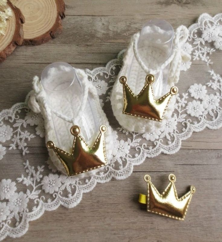 Hand Knitted Baby Shoes-Handmade-Cute & Comfortable Newborn Baby Pre walker Infant Hand Knitted Red & Gold Crown Baby Sandals. Beautiful gift for a special newborn baby girl. Perfect for communion, baptism, christening & baby shower gift. Available in sizes newborn to 12 months. Material: Wool & acrylic. Colors: Off white & Pink. Please do compare your little girl's foot length with our size chart.