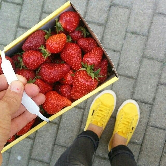 A few strawberries and a sunny yellow Superga can make the perfect Sunday mood... #superga #supergagreece #sun #strawberries #summer #love #supergaoftheday #yellow #cotu