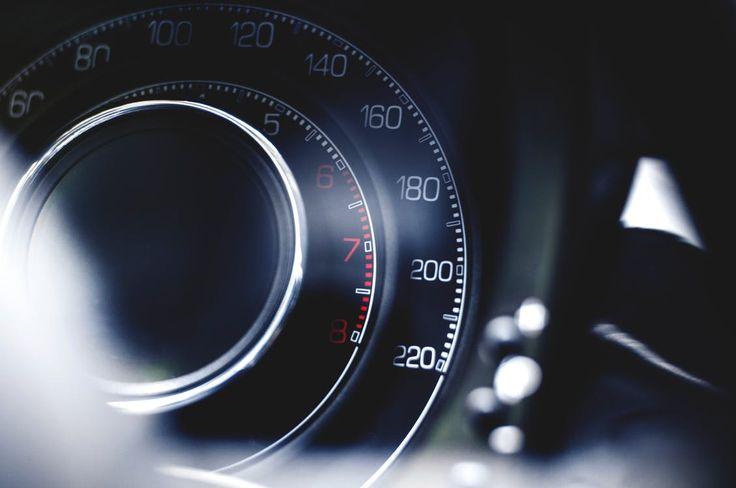 Decydując się na nowe auto jest do podjęcia wiele ważnych decyzji. Chodzi przede wszystkim o markę, kolor czy silnik. Wszystko może mieć tu znaczenie. Jednak czym się kierować, aby trafić na właściwy samochód? Co sprawia, że auto jest najlepsze? Jakie kryteria należy wziąć pod uwagę? Każdy... http://motoryzacja.efirmowy.pl/jak-wybrac-samochod/