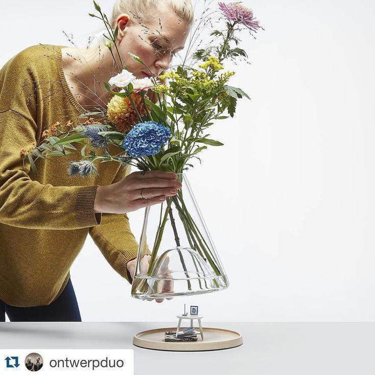 Моко-Локо: #Repostontwerpduo Это, как вы поместите самое драгоценное крошечные продукт под колпаком вазе.  Вода в вазе будет увеличить этот продукт!  Что бы вы показать в колоколе вазе, чтобы создать небольшую подводный мир?  http://ift.tt/1IUuwF4