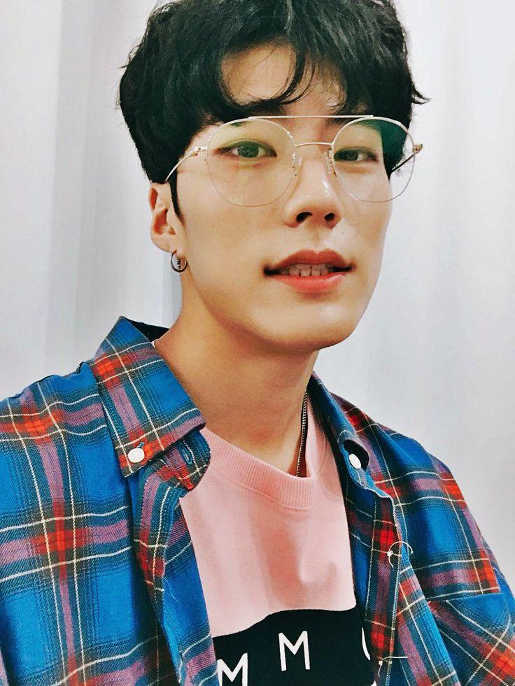 Pin by Korean Girlfriend on Asian boys | Korean boys