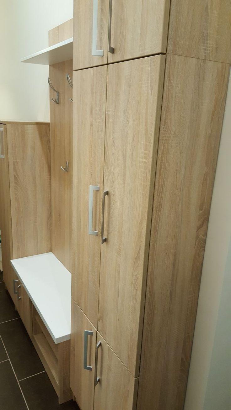 Magdi Bútor Stúdió Ezt a pesti bérházban található kis lakást kiadásra szánta megbízónk. Ennek megfelelően laminált lapból készült,strapabíró beépített bútorokkal rendeztük be a lakást, szekrénytől az ágyon át a konyháig. Valódi referenciamunka!