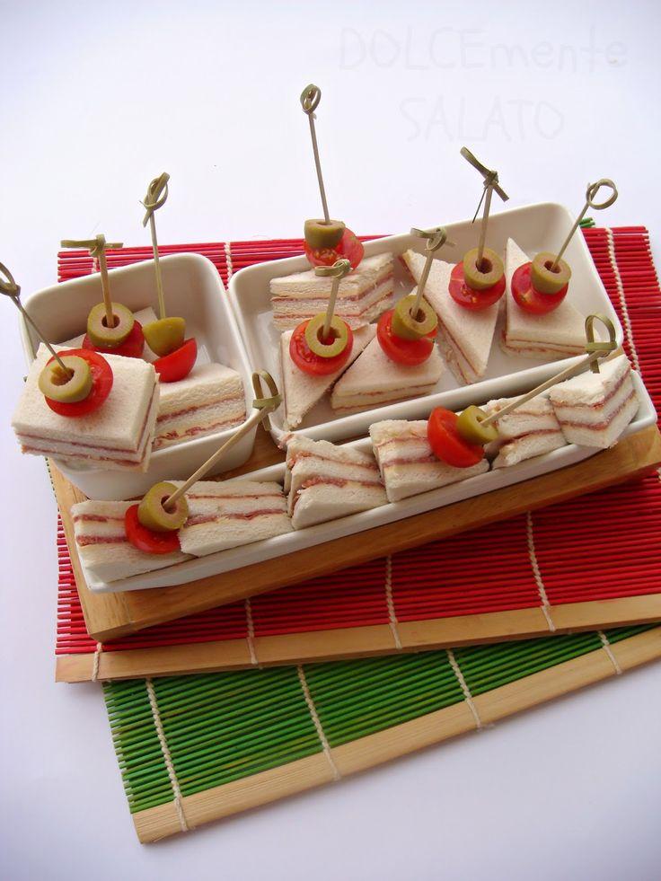 DOLCEmente SALATO: Tramezzini al salame con mousseline alla paprika