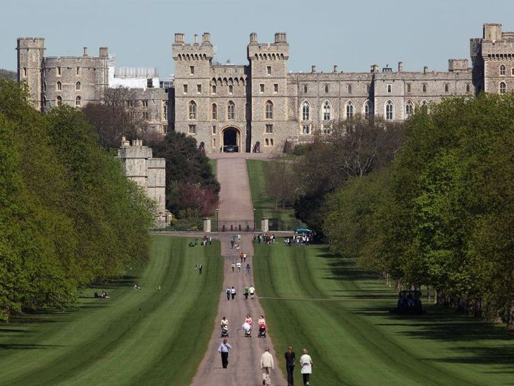 Romancing the castle: All eyes on Windsor in lead up to royal wedding