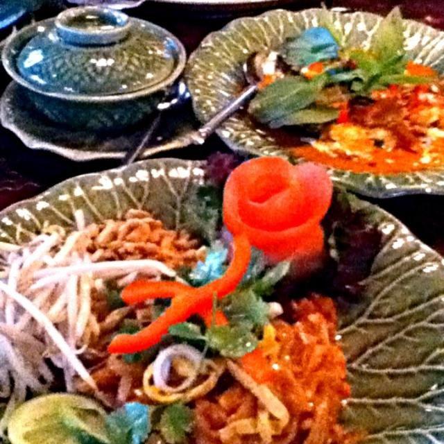 レシピとお料理がひらめくSnapDish - 1件のもぐもぐ - Pad Thai and Chicken red curry by miho uemuera