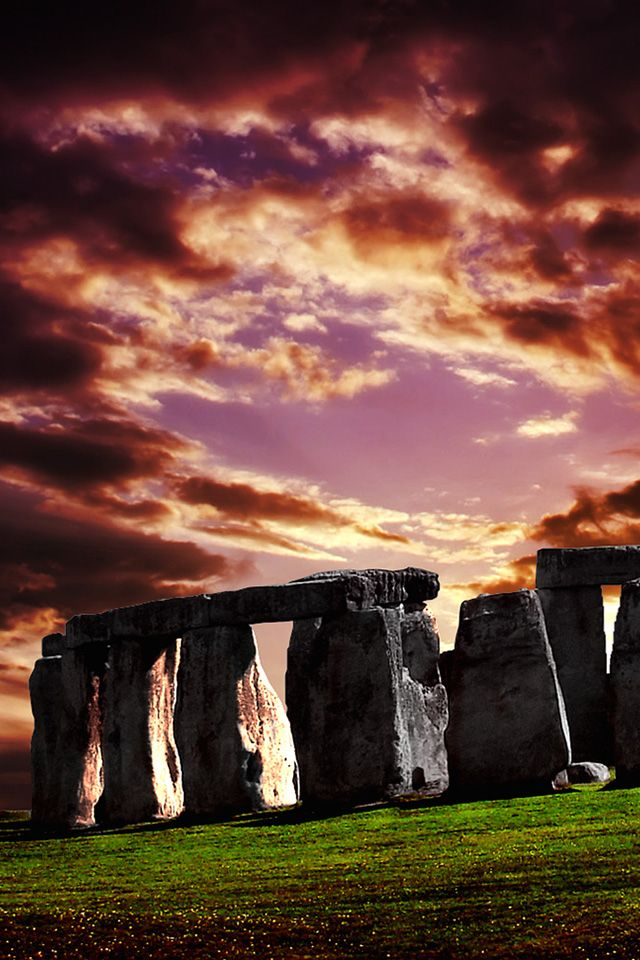 ✯ Sunset on Stonehenge... Made by Marduk to check out if it was his time to reign the earth.