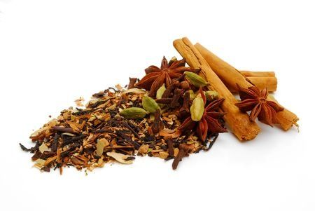 mélange d'épices chai pour le thé (tchai masala)