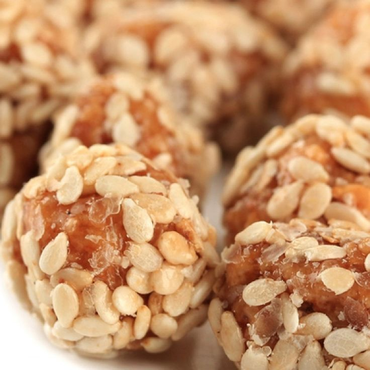 A Tasty recipe for peanut butter and sesame seed balls. These are a yummy and healthy snack.