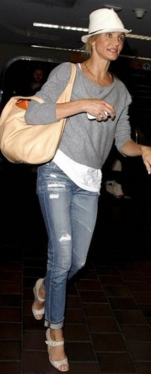 Who made Cameron Diaz's jeans, nude wedges and handbag that she wore in New York?